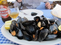 Cozze alla marinara (mussels)