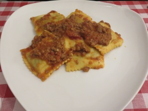 Granny's pasta filled with meat, with ragout