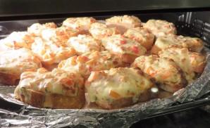 *Three-Cheese Mini Pizzas