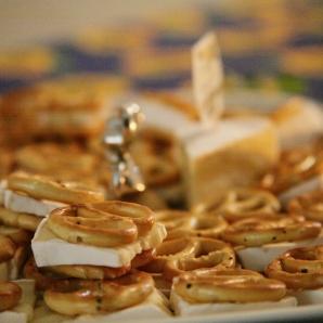 Mini-Pretzel filled with camembert