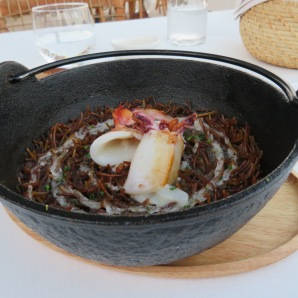 Black fideuá with cuttlefish