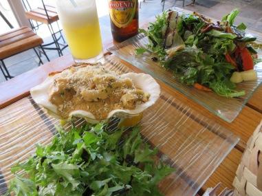 Gratin Fruit de Mer / Salad Marlin Fumé